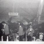 "11 mei 1961 in Blokker tijdens het door ""Muziek Parade"" georganiseerde Int. Teenager Festival met naast The Skyrockets verder Rex Gildo, Jan & Kjeld, Heidi Brühl, The Blue Diamonds, Anneke Grönloh en The Blue Angels."
