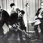 THE SQUADRONS ca. 1964 vlnr: Guus van Westeloo - Charles Portiér - Rob Mooijen - Piet Holleman