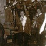 JOHNNY SPACE & his FLYING ROCKETS vlnr: Rowdy Harvey - Jimmy Jaspers - Rudy de Lion - Anton ? - Rudy Harmanus