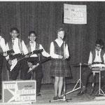 THE BRIGHT STARS 1962 - vlnr: Henny Huisman, Frank van den Eeckhout, Roy van den Eeckhout, Greetje Sikkes en Ferry van den Eeckhout.