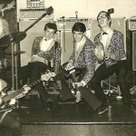 THE GOLDEN JAGUARS - Badewanne Berlijn,  juli 1965 - vlnr:  Reinoud Bish, Jan Bijl, Peter Hulscher, Reinoud Bish, Jan ?
