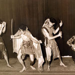 The Four Tielman Brothers - traditionele krijgsdans uit Timor - Hotel De Schuur, Breda 1957