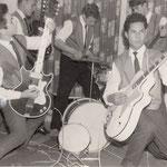 THE BEAT BROTHERS 1959 vlnr: Robbie van Leeuwen - ? - Hans de Wekker - Ricky Berger - ?