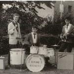 JOHNNY SPACE & his FLYING ROCKETS (1963 vlnr: Peter van Gorp - Ger Raeimakers - Nico Brokx -  Rob de Gruijter - Rudy de Lion