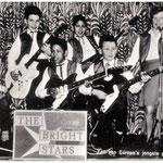 THE BRIGHT STARS 1962 - vlnr: Ferry v.d. Eeckhout, Chris Fronik, Frank v.d. Eeckhout, Roy v.d. Eeckhout, Henny Huisman en Greetje Sikkes.