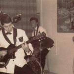 THE SQUIBS vlnr: Bob Tuasela (bas), Wouter Muller (slag), Eef Foppen (drums) en Peter Gierman (solo)