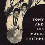 TONY & his MAGIC RHYTHMS - Op de voorgrond drummer Tony Moniz. Uiterst links sologitarist Ully Berkelie en achteraan met donker kostuum bandleider Jim Filon.