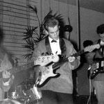 RONALD & his SHADOWS (danscentrum Cintha, Eindhoven 1965) vlnr: Charles van Eeden - Harrie v.d. Linden - Ronald van Eeden