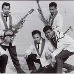 RONNY & his JAVELINS 1962 vlnr: Paul Böck - Ronny Flohr - Eugene Lambertus - Frank Salawane - Boet Saija