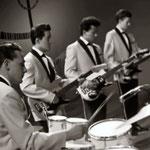 THE FLYING ROCKERS - optreden Belgische TV - Tienerklanken 1962