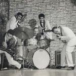 THE ROYAL SIX (Weindord, Frankfurt - eind 1961/begin 1962) vlnr: Loek Nicolai,  Max Tahalele, Ronald Wijnands, Fred Christoffel en Richard Blanken.