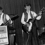 THE BRIGHT STARS 1962 - vlnr: Frank van den Eeckhout, Henny Huisman en Roy van den Eeckhout (met zelfbouw V-bas van Boy Jansen)