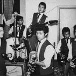 THE BLACK STRANGERS 1961 vlnr: Don Sigarlaki - Ron de la Rambelje - Ed Sigarlaki - Nana Smith - Hendrik Burghardt - Johnny Pessey