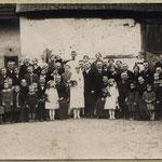Hochzeit Henrich Karl und Monika geb. Kästel mit Familien Henrich und Kästel im Anwesen Bergighof; Eugen Henrich (Seppel-Louis-Eugen),