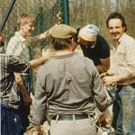 Helmut Appel beim Bau der Tennisanlage