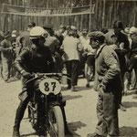 Fachgespräche im Fahrerlager des Hockenheimrings