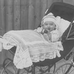 Harry Stadler in moderner Kinderchaise
