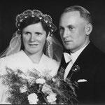 Ehepaar Kästel Philipp (Post) und Elisabeth geb. Steinmetz; Sohn Hermann, Viktor und Heinz