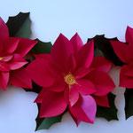 décoration especial Noel fleurs en papier cartonnée tintée et vernis
