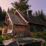 ....eine kleine Hütte auf der Hochalm....
