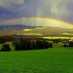 13.08.2021 - Regenbogen über dem Joglland, Blick Richtung Vornholz....