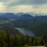 Ein toller Tiefblick zum Erlaufsee und nach Mariazell