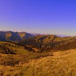 ...ein Blick von der Gaviser Höhe zur Gavis Alm. Nach einer schönen Wanderung...