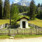 ...nun noch vorbei an der Pestkapelle (1617 m)....