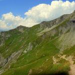 mein Weg führt noch einmal steil bergauf und über das Winterjochl.......