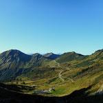 Tag 4 - Ein wahrlich toller Wandertag. Von der Portlaalpe ein Blick zum Furkajoch.