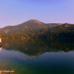 ...am Erlaufsee angekommen, Blick über den See hinauf auf die Gemeindealpe....