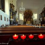 .....in der Kirche wurden Kerzen angezündet und eine kleine Andacht abgehalten, habe mein Wanderjahr ohne Probleme abgeschlossen...