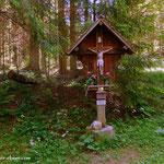 """....am """"Lendkreuz"""" (1066 m) angekommen, ab hier sind beide Wege wieder vereint...."""