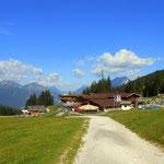 ...und die Ehrwalder Alm (1502 m) ist erreicht, eine ausgiebige Rast genossen und den Abstieg nach Ehrwald begonnen