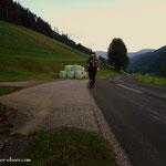 Aufbruch sehr früh, da es wieder ein heißer Tag werden wird, der lange Weg hinein zur Brunnalm....