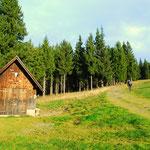 ...vorbei an der Teufelsteinhütte (Photo Annabella)