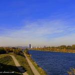 ...nach der Mittagspause, geht es über die Brücke, auf die Donauinsel.....