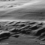 ....wie in der Wüste, ist aber doch Schnee in Zusammenarbeit mit dem Wind...