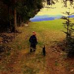 07.04.2021 - Die beste Zeit die man als Opa haben kann, ein Waldspaziergang mit dem Enkelsohn.....
