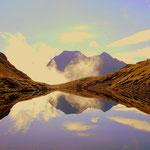 Ein schöner Bergsee, mit einer tollen Spiegelung.