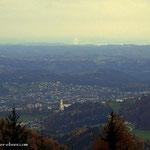 ....ein Blick nach Weiz, mit der Weizbergkirche....