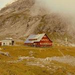...mit dem heutigen Zwischenziel, die Göppinger Hütte. Eine kurze Rast, etwas trinken und mit dem Wirt geplaudert......