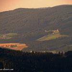 ....im Aufstieg auf das Stuhleck, ein Blick ins Joglland, nach Wenigzell....