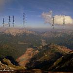 .....Blick nach Nordwesten, über Eisenerz hinweg in die Bergwelt der Hochsteiermark....