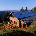 ...die Göllerhütte auf 1442 m Seehöhe ist erreicht, eine kurze Trinkpause, bevor es.....