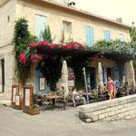 Arles, interessante Bepflanzung der Terasse