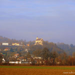 nach einer Waldwanderung auf der Strasse angelangt, ein Blick nach St. Johann bei Herberstein