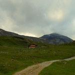 am Rückweg konnte ein Teil der Steirischen Kalkspitze erkannt werden, aber nur ein Teil. Ein, im Grunde, toller Wandertag geht zu Ende. Das Leben ist schön.