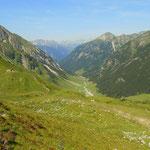 mein Weg führt mich über den Bschlabser Höhenweg Nr. 616, hinunter zur Hahntennjochstraße....