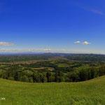 schönes Panorama, Saggautal, rechts Arnfels, links Oberhaag und in der Ferne der Schöckl